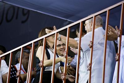 First Lady Vanda Pignato greets Fr. Miguel D'Escoto.