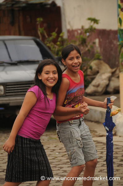 Smiling Girls - Apaneca, El Salvador