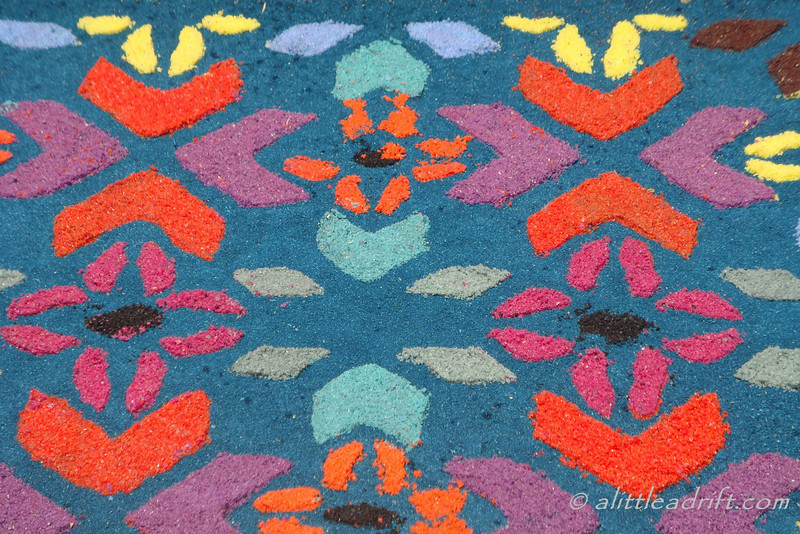 details on an alfombra