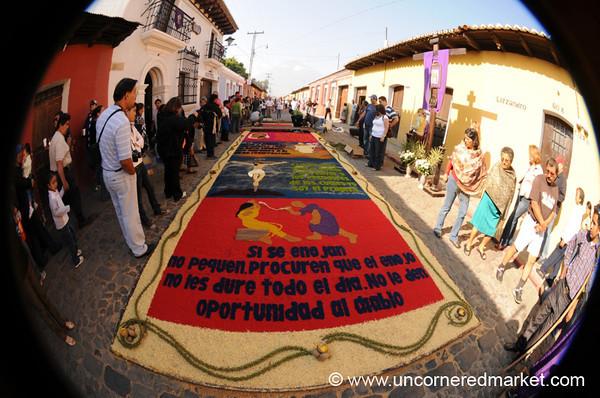 Alfombra Fisheye, Semana Santa - Antigua, Guatemala