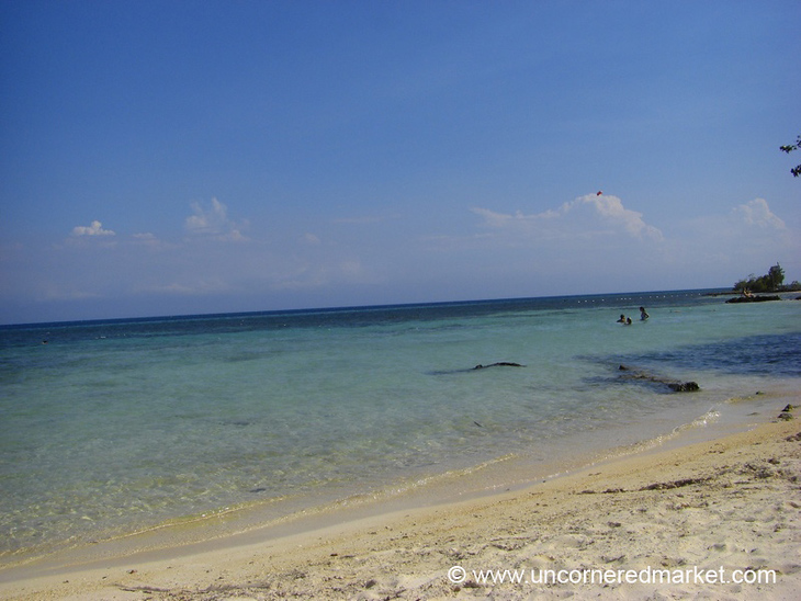 Clear, White Sand Beach - Utila, Honduras