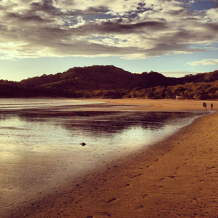 A walk on the beach invites us to reflect, calls our minds to wander. #Nicaragua #morgansrock