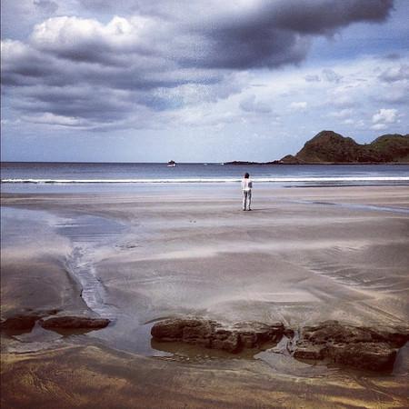 Thinking en plein air, Playa Ocotal. #Nicaragua Pacific coast. Morgan's Rock