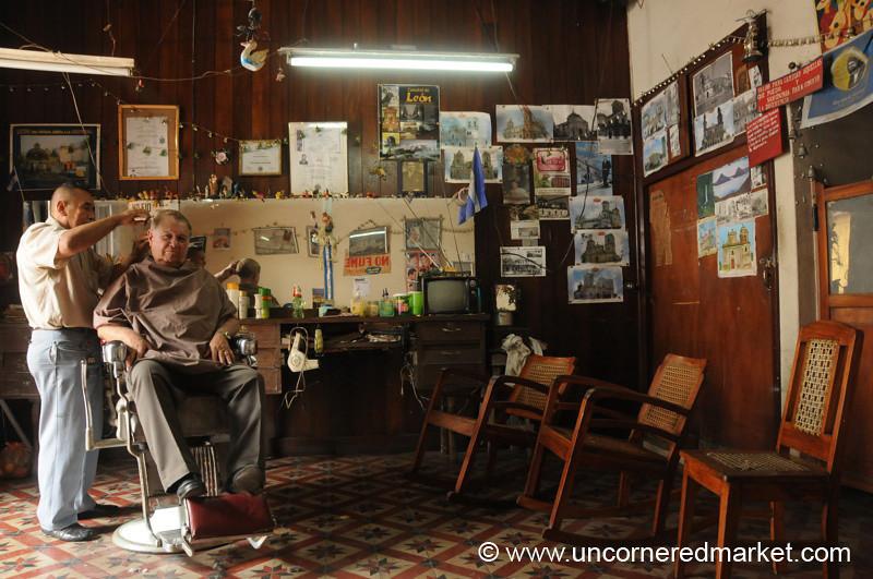 Leon, Nicaragua: Regular Visit to the Barber Shop