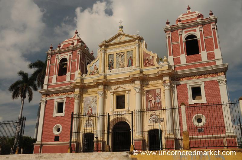 Leon, Nicaragua: El Calvario Church