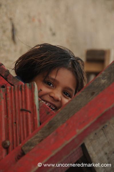 Esteli, Nicaragua: Peekaboo!