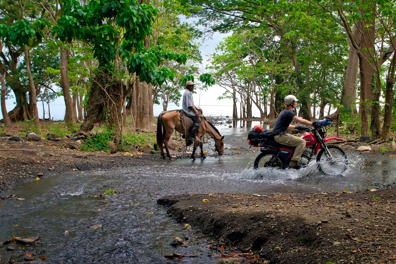 Motorcycle tour of Ometepe.