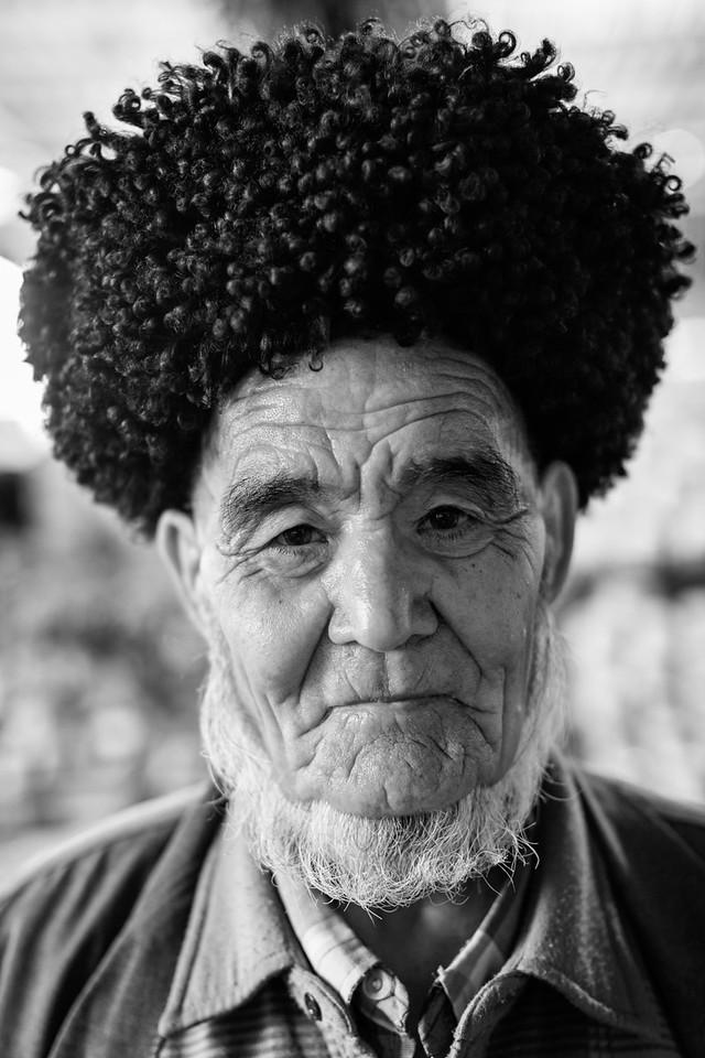Man with Traditional Turkmen Hat, Jennet Bazaar, Balkanabat, Turkmenistan