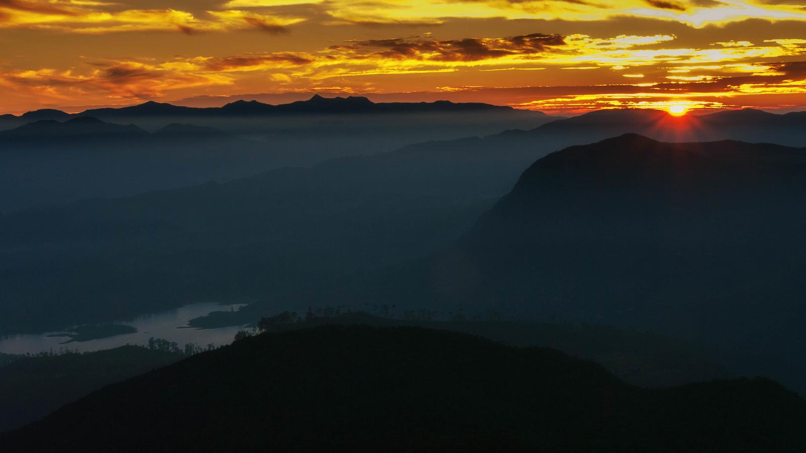 Sunrise from Adams Peak.