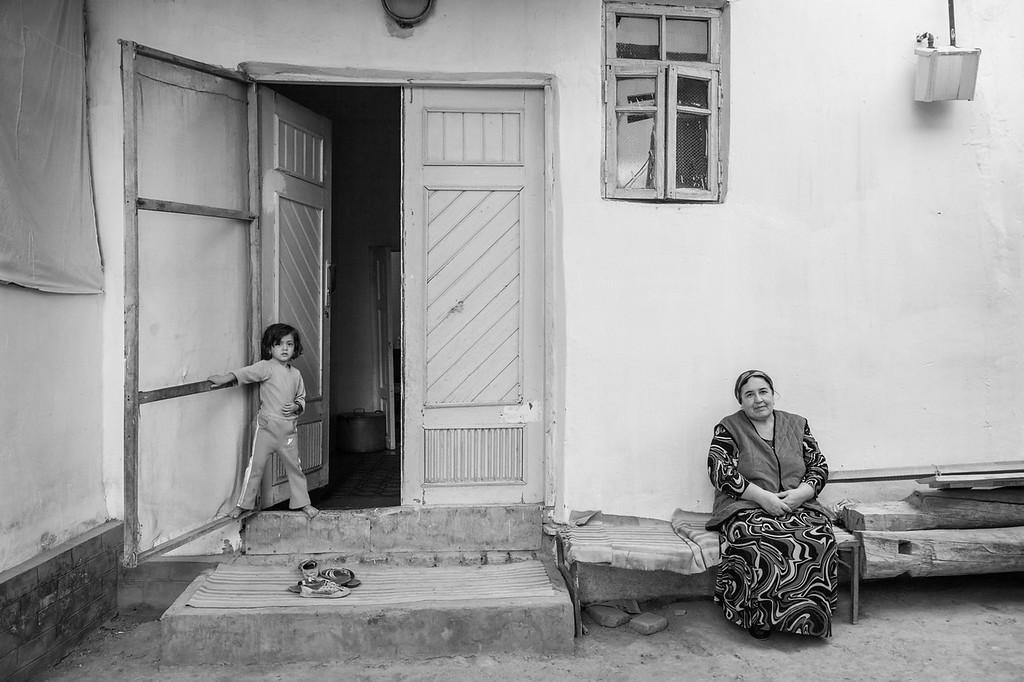 Young Girl and her Grandmother, Ichon-Qala, Khiva