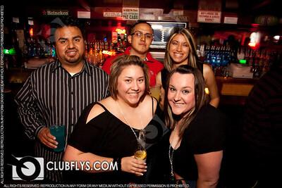 2009-04-18 [Ladies Night, Reps Sports Bar, Fresno, CA]