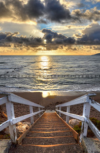 shell-beach-stairs-sunrays-1405