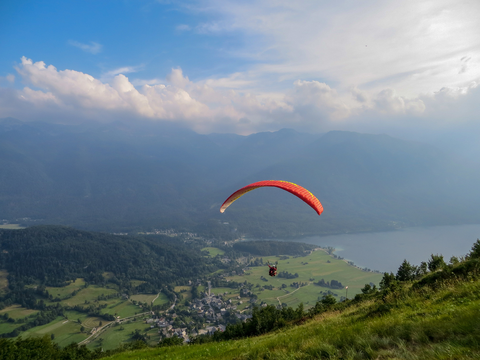 lake bled things to do? paragliding!
