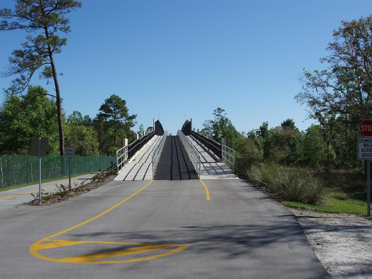 Bridge crossing SR 434<br /> location: Winter Springs<br /> Photo credit: FTA / Bob Coveney