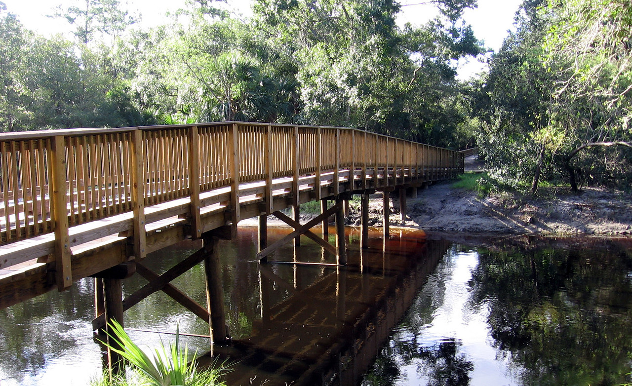 New bridge over the Econ<br /> PHOTO CREDIT: Brian OHalloran / Florida Trail Association