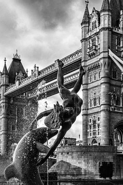 Tower Bridge & Statues