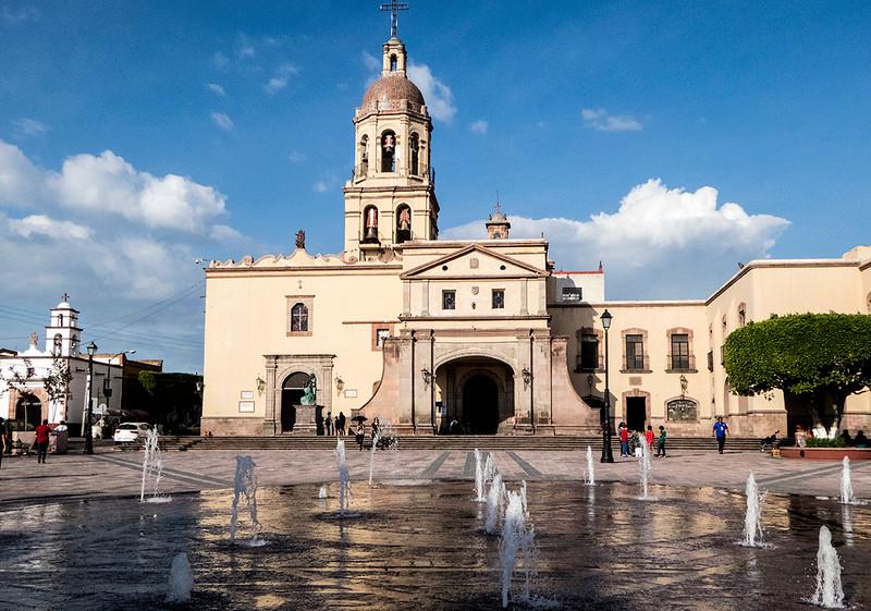 Templo y Convento de la Santa Cruz
