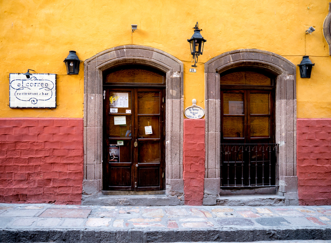 El Correo Restaurant