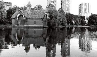 Harlem Meer Boathouse _bw