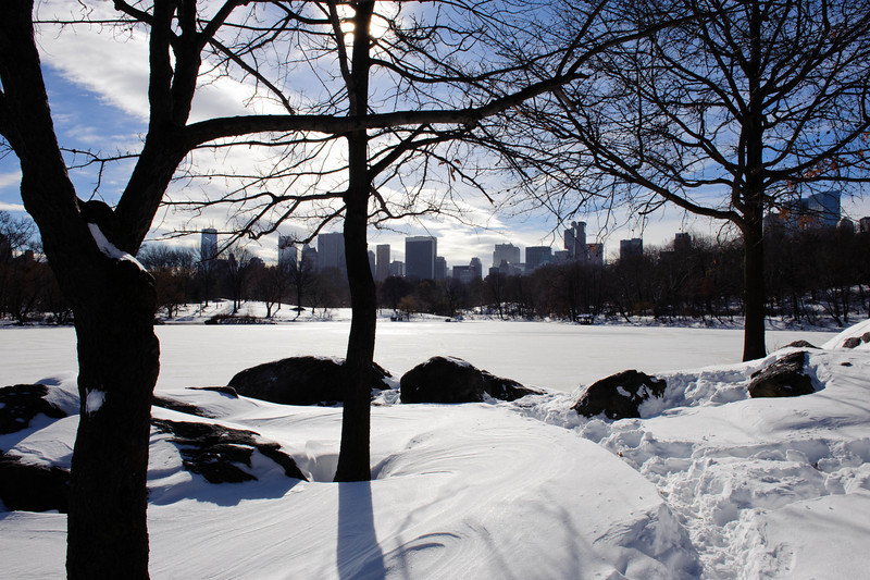 Snow covered Lake and Hearns Head. Central Park, New York
