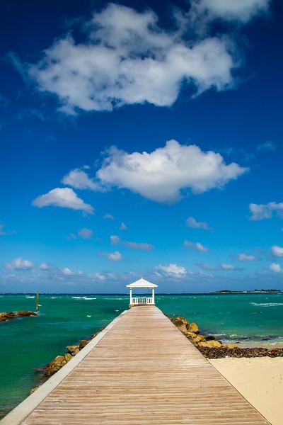 Bahama Pier - Sandyport Beach, New Providence