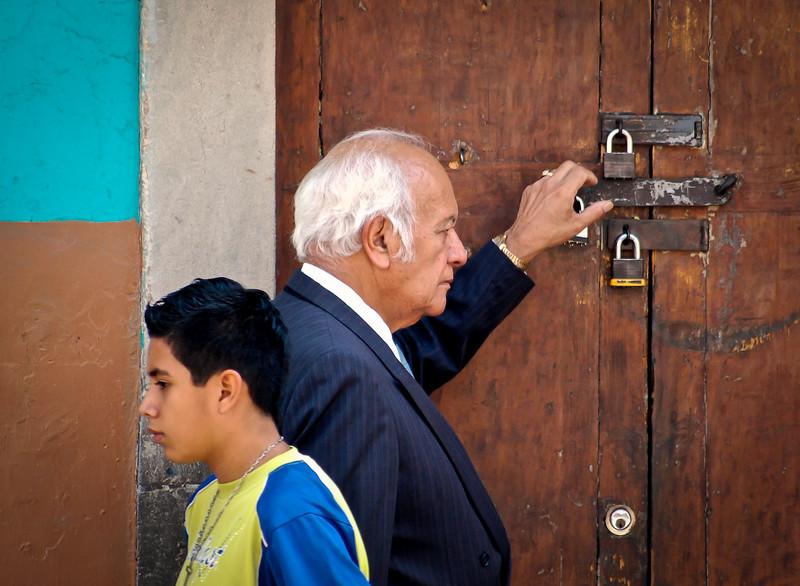 Viejo y Joven (Old Man & Young Boy) - Guanajuato, Mexico