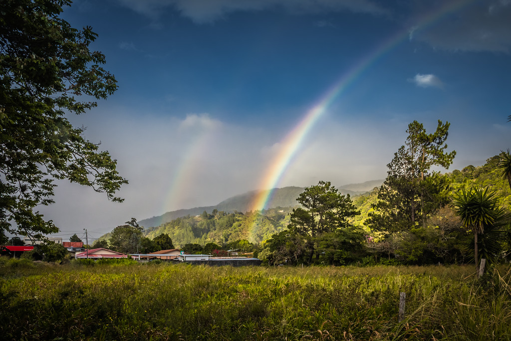 Double Rainbow in Boquete, Panama (©simon@myeclecticimages.com)