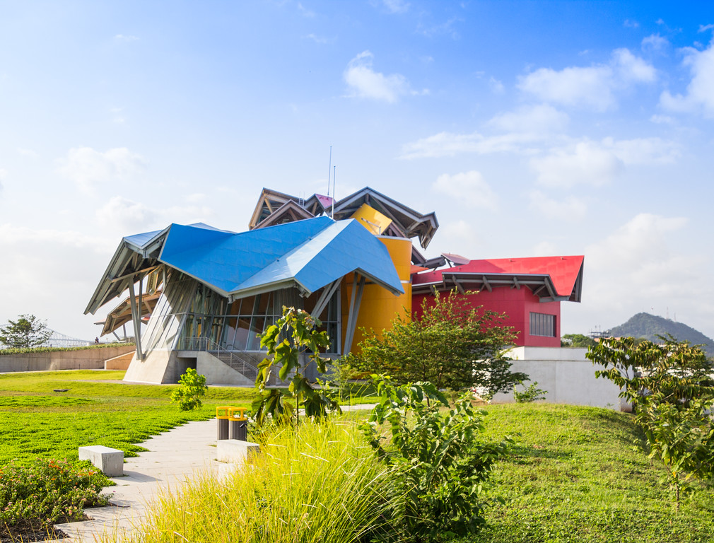 Bio Museum in Panama City Designed by Frank Geary (©simon@myeclecticimages.com)