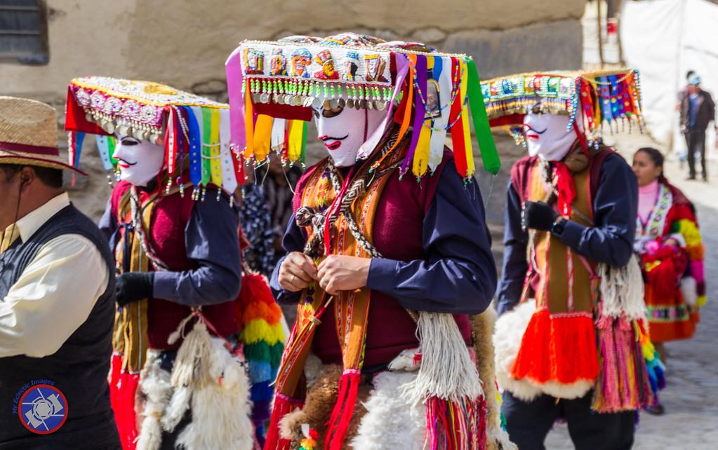 Parade for the Festival of La Cruz del Senor de Choquekillka in Ollantaytambo, Peru (©simon@myeclecticimages.com)
