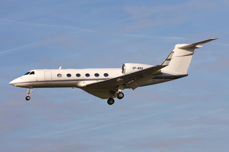 VP-BSA Gulfstream G450 c/n 4115 Paris-Le Bourget/LFPB/LBG 01-10-14