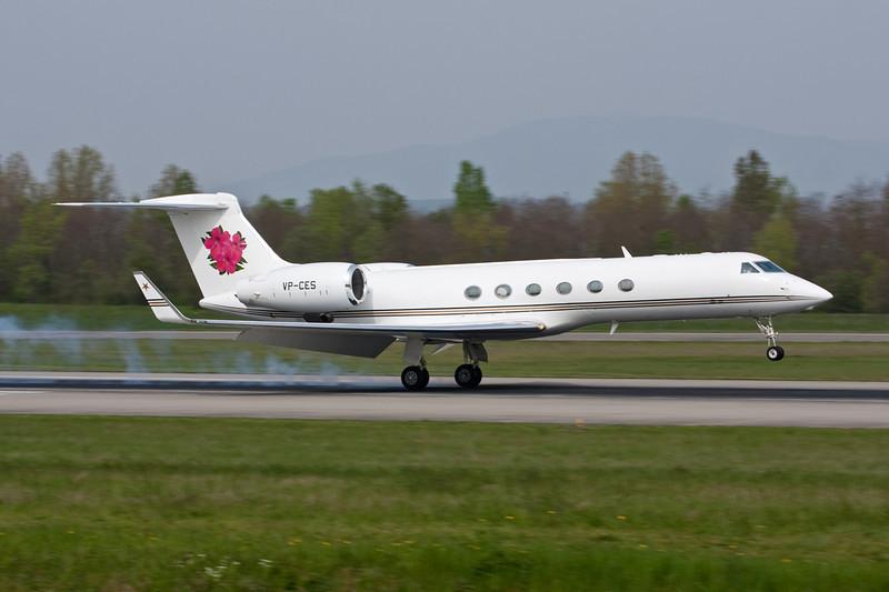 VP-CES Gulfstream G5 c/n 669 Basle-Mulhouse/LFSB/BSL 23-04-10