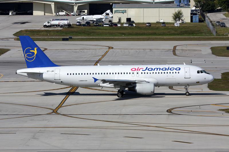6Y-JAI Airbus A320-214 c/n 0628 Fort Lauderdale - International/KFLL/FLL 02-12-08