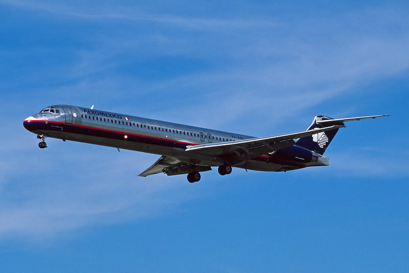 XA-AMU McDonnell Douglas MD-88 c/n 49928 Los Angeles/KLAX/LAX 08-03-04 (35mm slide)
