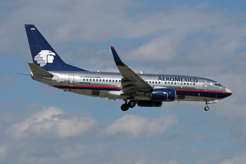 N855AM Boeing 737-752 c/n 33792 Miami/KMIA/MIA 04-12-08