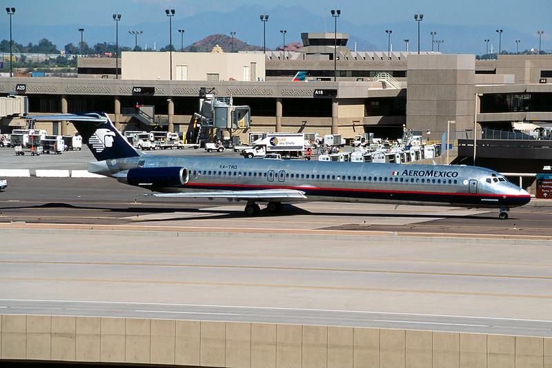 XA-TRD Douglas MD-82 c/n 48079 Phoenix-Sky Harbor/KPHX/PHX 14-03-04 (35mm slide)