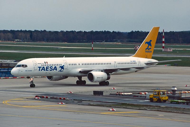 "XA-MMX Boeing 757-236 ""TAESA"" c/n 25054 Frankfurt/EDDF/FRA 09-04-95 (35mm slide)"