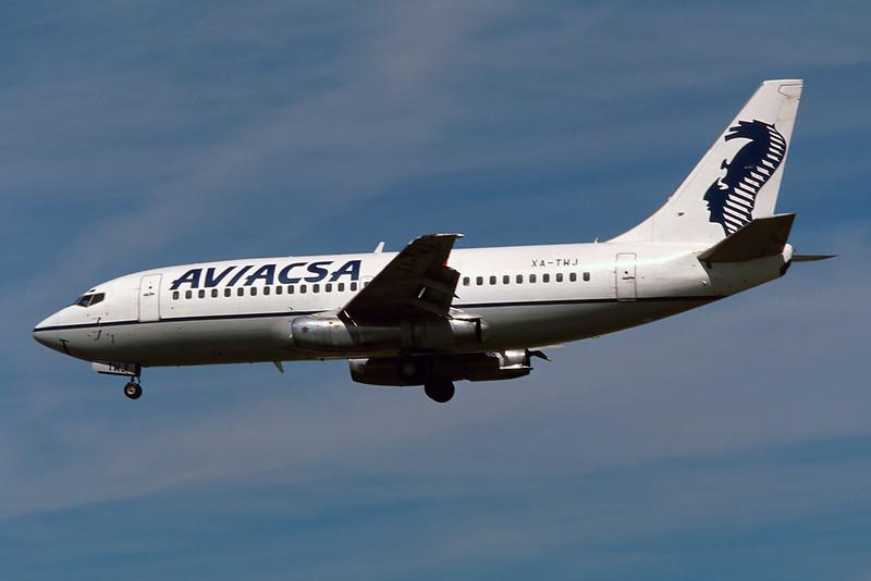 """XA-TWJ Boeing 737-219 """"Aviacsa"""" c/n 23471 Los Angeles/KLAX/LAX 08-03-04 (35mm slide)"""