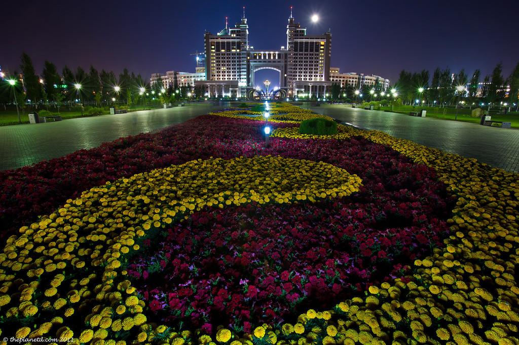 Astana-Kazakhstan-night-gardens