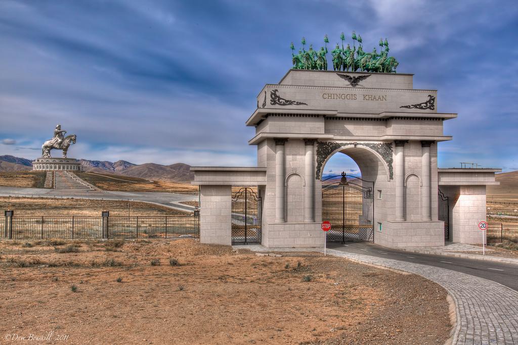 Genghis-Khan-Equestrian-Statue-mongolia