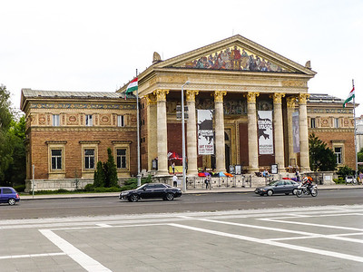Heroes' Square - Hall of Art