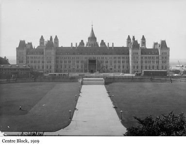 Centre Block - L'édifice du Centre, 1919
