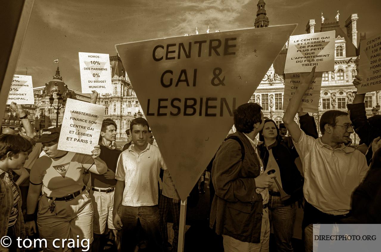 Centre LGBT, IDF, Manifestation Contre l'Homophobie, Mairie de Paris, Tiberi, avec Act Up paris, Hotel de Ville, 1996