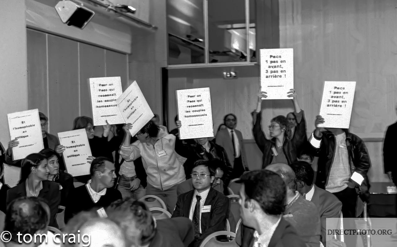 Centre LGBT-Paris IDF, Mariage Gay, (C.U.S., Contrat Union Social- PACS,), Manifestation Contre le Parti Socialiste, 7/10 1998