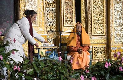 20151108_Swami Chetanananda_043