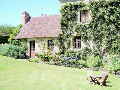 Jardin Apremont sur Allier 04 C-Mouton