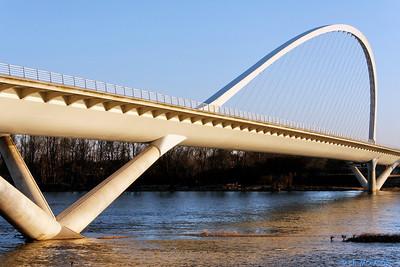 Orleans - Pont de l'Europe 18 C-Mouton