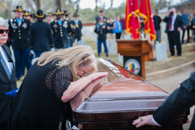 2017 02 17 graveside service for retired army lt gen harold graveside service for retired army lt gen harold gregory hal moore jr thecheapjerseys Image collections