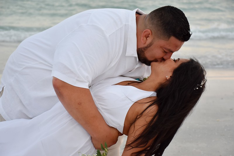 Beautiful wedding at Lido Beach, FL