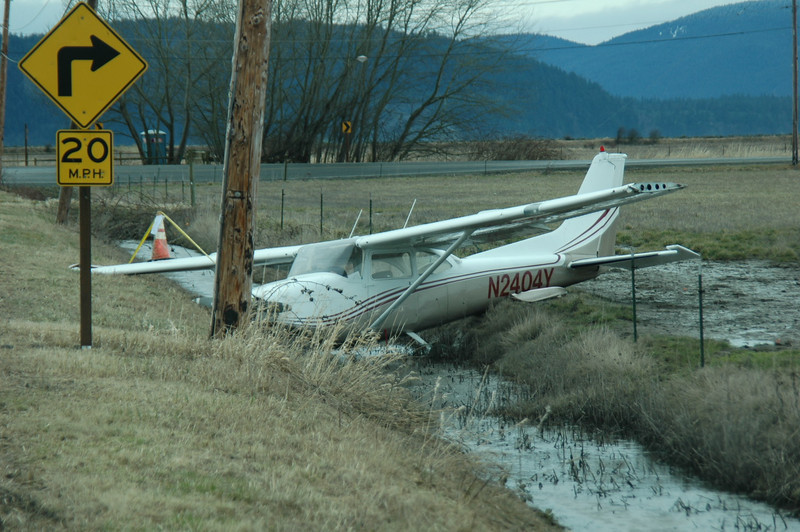 Stupid ass pilot ran outta fuel on a 15 minute flight between Bellingham and Skagit regional...
