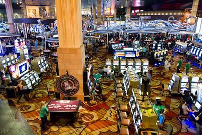 V kasinech se nesmí fotit, tak bacha na ochranku ;-)